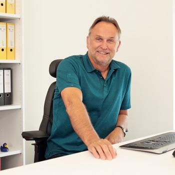 Manfred Lang